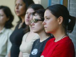 <!--:es-->Se buscan universitarios hispanos para trabajar en escuelas públicas de bajos recursos!<!--:-->