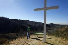<!--:es-->California bent on rebuilding despite wildfire risk<!--:-->