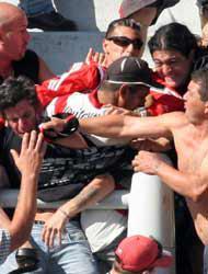 <!--:es-->Otra vez  caos en el fútbol! . . . En Uruguay se suspendió el torneo<!--:-->