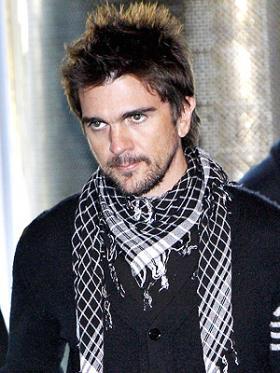 <!--:es-->Juanes lanza La vida es un ratico… en vivo   …El cantante colombiano presenta su nuevo álbum, con temas inéditos, grabados en concierto<!--:-->