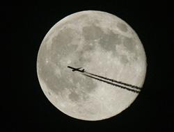 <!--:es-->UN PANTEON EN LA LUNA: Empresa fúnebre espacial Enviará cápsulas con ceniza a la Luna<!--:-->