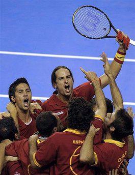 <!--:es-->Gana España su tercera Copa Davis …Argentina jamás la ha podido conquistar, al perder previamente las finales contra Estados Unidos en 1981 y contra Rusia en 2006<!--:-->