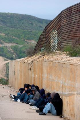 <!--:es-->Chertoff: Twice as many agents on border<!--:-->