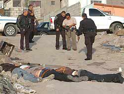 <!--:es-->Más de 5,000 Asesinatos en el 2008 . . . Narcoviolencia pone en jaque al gobierno<!--:-->