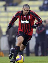 <!--:es-->Ronaldo al Corinthians de Segunda División …El Club brasileño negocia con el Milan<!--:-->