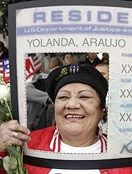 <!--:es-->Amnistía favorece a 50 mil indocumentados!<!--:-->