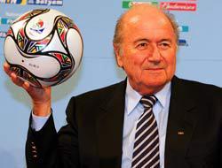 <!--:es-->Blatter confirmó a Sudáfrica . . . El país africano si hará el Mundial 2010<!--:-->