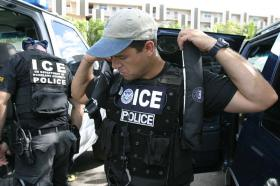 <!--:es-->Feds hold up funding to give cops more enforcement power<!--:-->