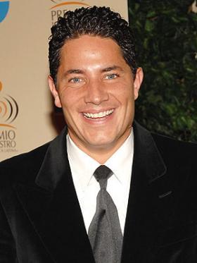 <!--:es-->Fernando del Rincón acusa a Univisión y piensa demandar<!--:-->