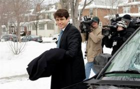 <!--:es-->Illinois Gov. Rod Blagojevich thrown out of office<!--:-->