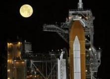 <!--:es-->Gas leak postpones space shuttle Discovery launch<!--:-->