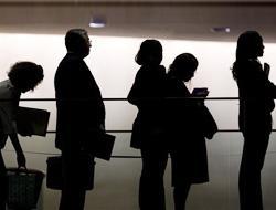 <!--:es-->La tasa de desempleo subió al 8.1% …Es el peor índice desde hace 25 años<!--:-->