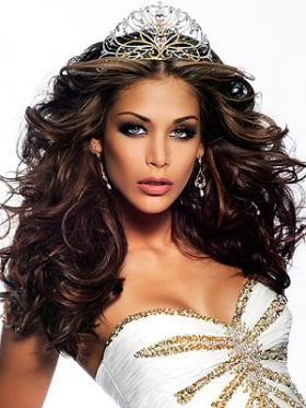 """<!--:es-->Miss Universo: """"No sólo me la paso en eventos divinos""""<!--:-->"""