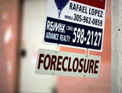 <!--:es-->Esperando la Ley de Bancarrota …Hispanos buscan alivio para su hipoteca!<!--:-->