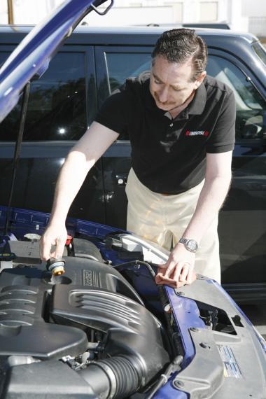 <!--:es-->Consejos de un Experto Automotriz para Mantener su Auto Funcionando como Nuevo<!--:-->