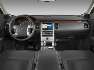 <!--:es-->El Ford Flex es una efectiva voz de la nueva generación Versátil, útil, y muy capaz  Flex es increíble<!--:-->