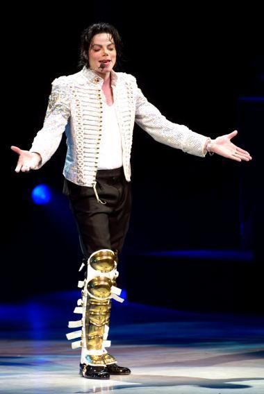 <!--:es-->Tras la muerte de MICHAEL JACKSON (1958 – 2009) El Mundo de la MUSICA está de Luto!<!--:-->