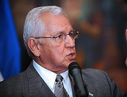 <!--:es-->Elecciones, solución 'única' en Honduras . . . Micheletti habló de comicios 'limpios'<!--:-->