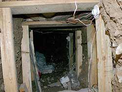 <!--:es-->Túnel secreto entre México y EEUU Contaba con alumbrado y ventilación<!--:-->