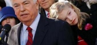 <!--:es-->Dodd, D-Conn., retiring from Senate; AG to run<!--:-->