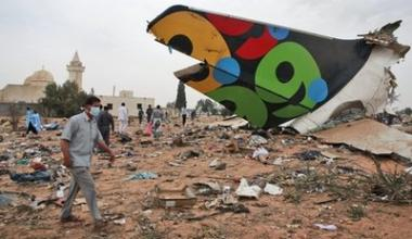 <!--:es-->Libyan jet with 104 crashes; boy sole survivor<!--:-->