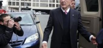 <!--:es-->Se estrella avión en Alaska con ocho personas, incluido el ex senador Ted Stevens<!--:-->