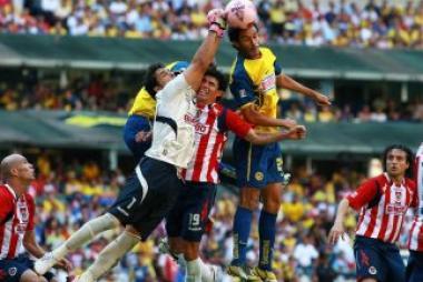<!--:es-->¿Crees que el Clásico del fútbol mexicano está devaluado?<!--:-->
