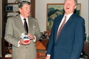 <!--:es-->Reelecciones de Reagan y Clinton alientan a Obama . . . Recibieron paliza a medio término<!--:-->
