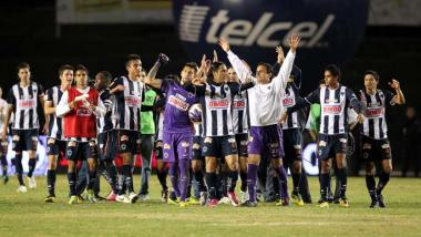 <!--:es-->Rayados estalla al final y vence a Pumas …Ahora enfrentará en la Final del Apertura 2010 al Santos<!--:-->