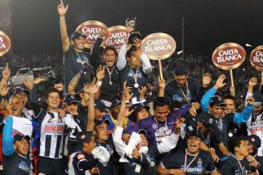 <!--:es-->Monterrey ganó su cuarto campeonato al derrotar a Santos Laguna<!--:-->
