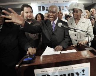 <!--:es-->Rep Davis to Clinton: Stay out of Chicago politics<!--:-->