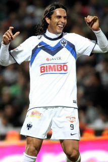 <!--:es-->Aldo De Nigris aún espera ofertas para salir al fútbol de Europa<!--:-->