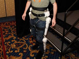 <!--:es-->Cyberdyne crea nuevo exoesqueleto robótico con control mental<!--:-->