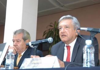 <!--:es-->AMLO: Ebrard tiene derecho a contender por la Presidencia . . . López Obrador dice que respeta el interés de Marcelo Ebrard para contender por la Presidencia de la República<!--:-->