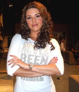 <!--:es-->Continúa Alicia Machado cosechando éxitos …Obtiene el Premio como Actriz Revelación Musical y se posiciona con la telenovela 'Una familia con suerte'<!--:-->