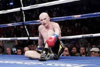 <!--:es-->Se convierte 'Canelo' en Campeón Mundial …Cumple Álvarez su sueño en Anaheim y vence sin dificultad a Matthew Hatton<!--:-->