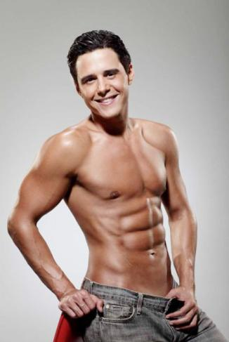 <!--:es-->Alejandro Chabán prepara libro sobre abdominales<!--:-->