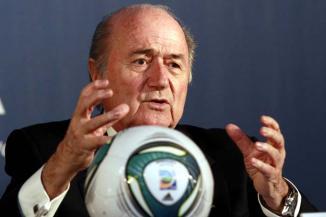 <!--:es-->Quiere Blatter cambios para Mundial 2014 …Blatter reconoció que Michel Platini tiene la capacidad para sustituirlo en la FIFA<!--:-->