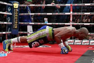 <!--:es-->No pasa Hopkins de moda 'B-Hop' superó a George Foreman, quien era el boxeador más longevo en ganar un título<!--:-->