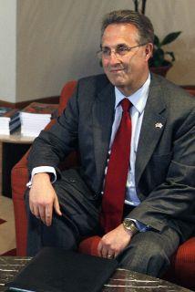 <!--:es-->Anthony Wayne podría ser el nuevo embajador de EU en México<!--:-->