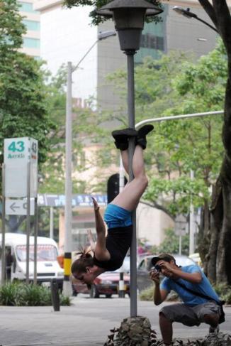 <!--:es-->Medellín, enorme pista de baile sensual<!--:-->