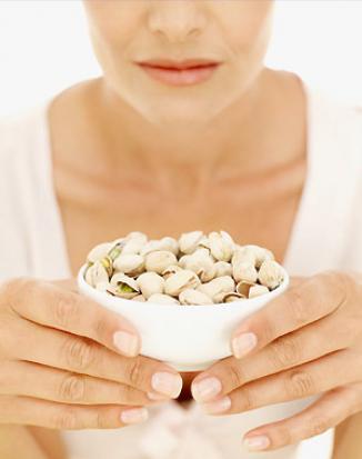 <!--:es-->Alimento de hoy: Pistaches: una botana saludable …Los pistaches ayudan al control de peso y a tener un corazón sano, porque tienen poca grasa<!--:-->