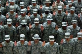 <!--:es-->Presentaron plan para legalizar a familiares indocumentados de militares …Miles de soldados estadounidenses se encuentran al borde de la deportación<!--:-->