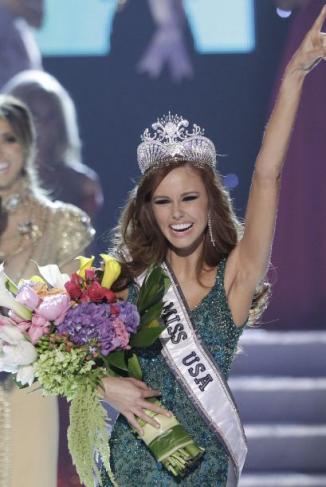 <!--:es-->Alyssa Campanella es coronada Miss USA 2011 …La joven de 21 años, representante del estado de California, será la candidata de Estados Unidos en el próximo Miss Universo que se celebrará en Brasil<!--:-->