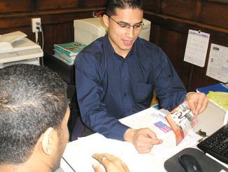 <!--:es-->H&R Block busca estudiantes bilingües para Curso de Preparación de Taxes …Inscripciones a partir del 13 de junio, las clases comienzan en agosto<!--:-->