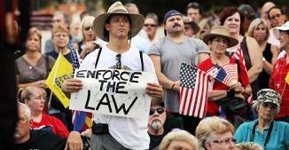 <!--:es-->EEUU se vuelve cada día MAS ANTIINMIGRANTE! …Ya son seis estados que le siguen los pasos a Arizona<!--:-->