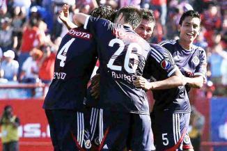 <!--:es-->Retoma Chivas el liderato …Héctor Reynoso fue el anotador del único tanto del partido<!--:-->