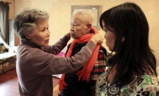 <!--:es-->Families urge action as US drafts Alzheimer's plan<!--:-->