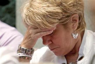 <!--:es-->Casey Anthony's mother raises possibility of seizure<!--:-->