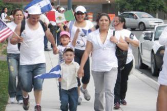 <!--:es-->El Salvador pidió a Estados Unidos nueva prórroga del TPS …En caso de no extenderse, 218 mil quedarán a las puertas de la deportación<!--:-->